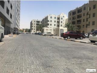 شقة للبيع في أفضل موقع جوار السفير مول مناسبة للاستثمار غرفتين وصالة قسط شهري 4300 درهم