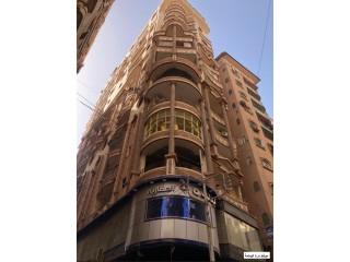 شقه للبيع المنصورة شارع احمد ماهر الرءيسى